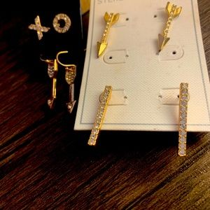 ❌⭕️ 4 Pairs of Gold Guess Earrings